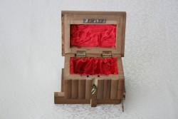 Şifreli kızaklı ahşap kutu (minik boy) - Thumbnail